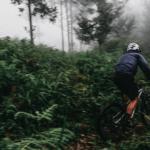3 Barang Bekas Ini Bisa Membantu Saat Bersepeda di Musim Hujan