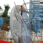 Pembangunan Tugu Sepeda di Sudirman